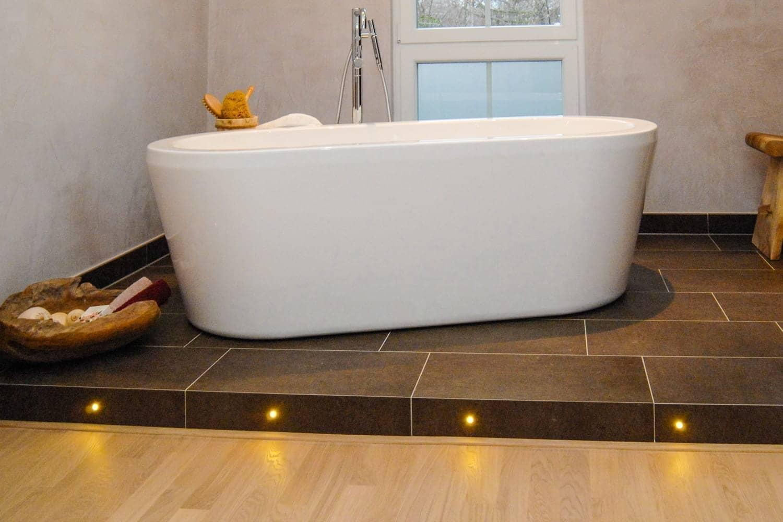 neues komplettbad barrierefrei in 9 tagen bad ofen heizung. Black Bedroom Furniture Sets. Home Design Ideas