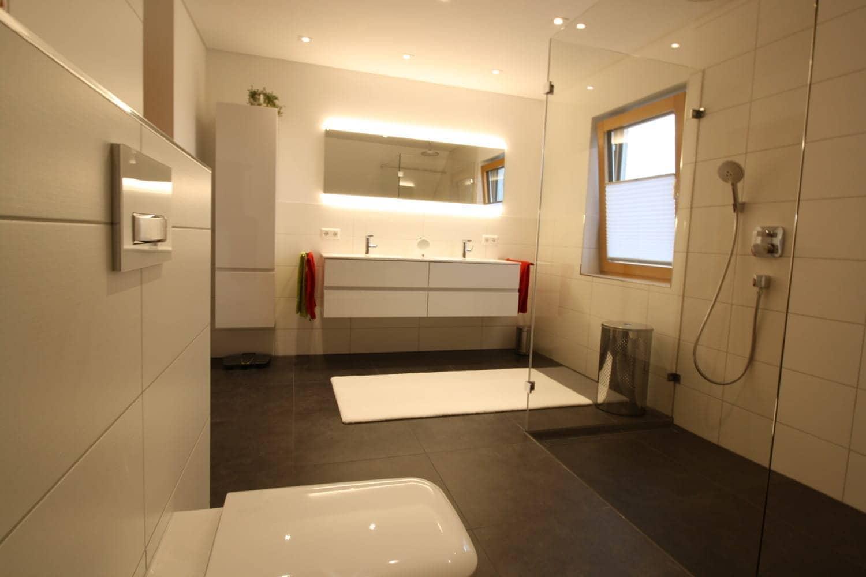 bad umbau beschleunigen bad ofen heizung. Black Bedroom Furniture Sets. Home Design Ideas